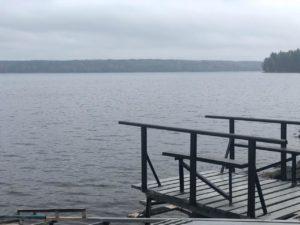Участки на берегу озера